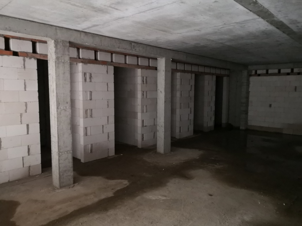 2020 01 27 komórki lokatorskie w garażu