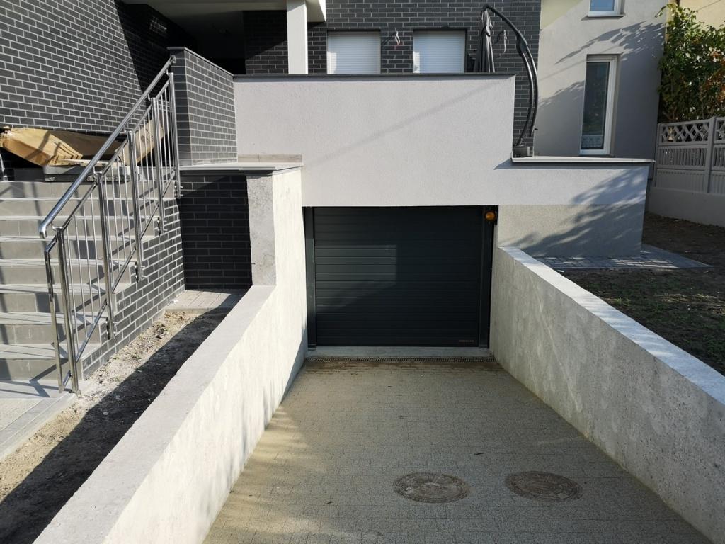 2020 09 23 Brama garażowa